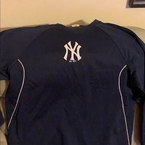 Yankees on field practice sweatshirt - minor wear
